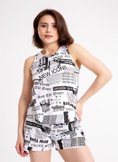 Madame Sare  Kadın Gazete Baskılı Şortlu Beyaz Pijama Takımı Beyaz